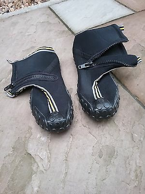 5-10 Kayaking shoes size 12 in perfect condition