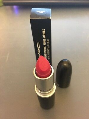 Mac Lipstick - Girl About Town