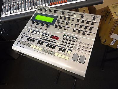 Yamaha Rs7000 Integrated Sampling Sequencer Workstation/ Desktop Sampler