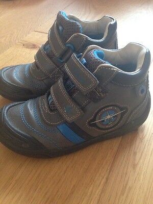 Boys Clarks Shoes Size 9.5F