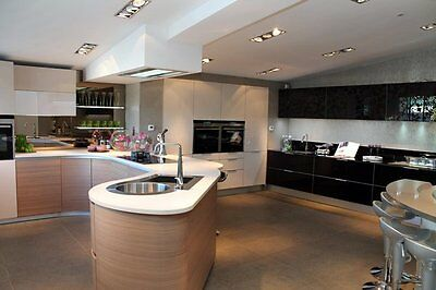 Ex Showroom Pedini Q System Kitchen Towers, Base and Wall Units.