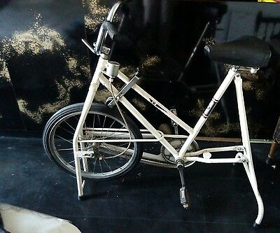 Ancien Velo D'appartement Universal  Cardio Gym Vintage