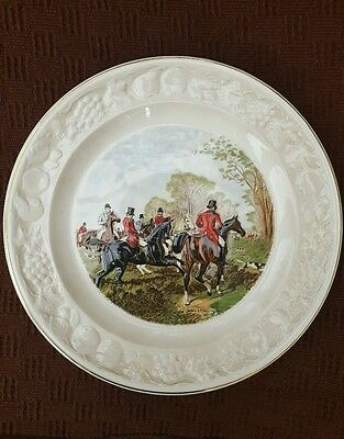 ROYAL WORCESTER Palissy The Famous Herring Hunting Scenes Plate - Off the Draw