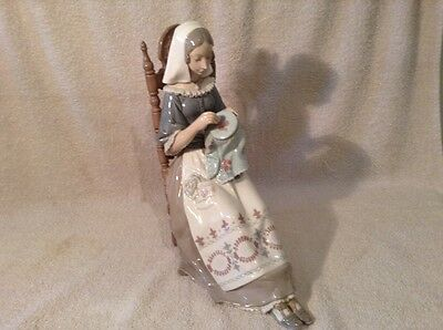 lladro figure The Embroiderer No 4865