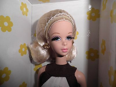 Mattel Barbie Doll - (US$ 35% less) Silkstone Francie - Kitty Corner - NRFB Mint