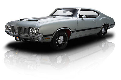 1970 Oldsmobile 442  Rotisserie Restored Numbers Matching 442 W30 455 V8 370 HP W30 Ram Air 4 Speed
