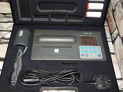 MicroLab 3300 Spirometer by Micro Medical Ltd comes with case and accessories