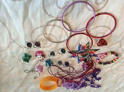A lovely bundle of girls play jewellery
