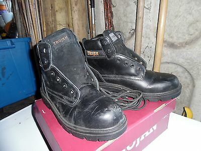 Trojan Men's Safety Work Boot size 8 Worn Once