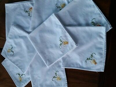 Set of 8 white cotton napkins with flower aplique embroidery 40x40cm