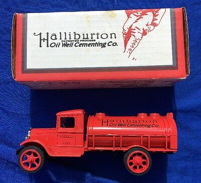 Halliburton Oil Well Cementing Co. (HOWCO) 1931 Hawkeye Tanker Bank W/ key NIB