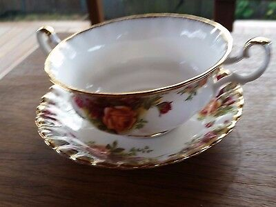 "Royal Albert ""Old Country Roses""bone china potpourri bowl and saucer"