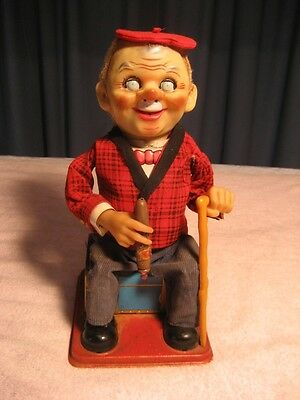 VINTAGE T.N. JAPAN SMOKING McGREGOR BATTERY OPERATED TOY WORKING