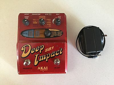 Akai Deep Impact Sb-1 Synth Pedal For Bass With Power Supply (Future)