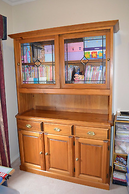 Solid wood two piece buffet hutch