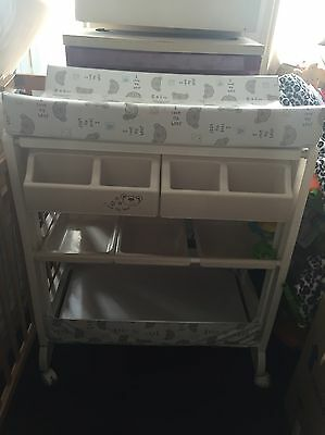 Cosatto changing unit with baby bath
