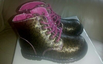 Kids/Girls Gold/Pink Leopard Print Docs/Lace Up Boots Size 6 New In Box.