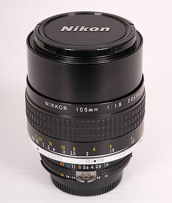 Nikon 105mm F/1.8 AI-S near Mint !