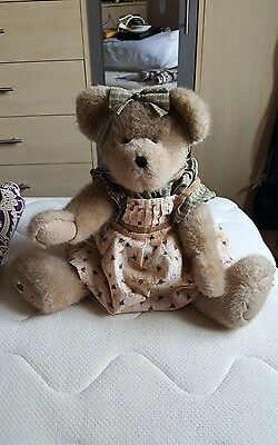Boyds jointed bear (Bee's)