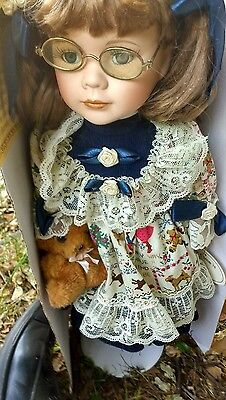 Beautiful Sally Leonardo signed doll 16 inch beautiful clothes never been out bo