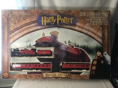 HARRY POTTER'S HOGWARTS EXPRESS HO ELECTRIC TRAIN SET BACHMANN With /Box