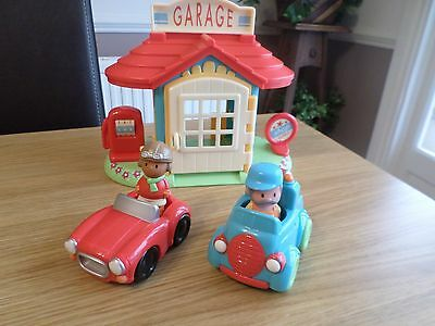 Elc Happyland Garage With Cars And Figures