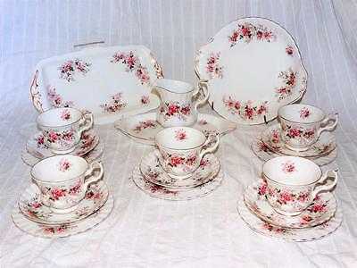 Royal Albert Lavender Rose 22 Piece Tea Set,very Good Condition,first Quality.
