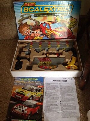"""MICRO SCALEXTRIC """"MY FIRST SCALEXTRIC"""" With Red And Yellow Rally Cars,GC"""