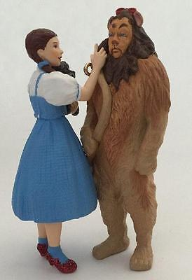 2004 Dorothy And Cowardly Lion The Wizard Of Oz Hallmark Ornament