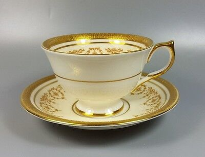 Aynsley Gold Dowery 7892 Tea Cup And Saucer