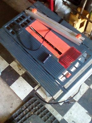 Table Saw In Very Good Condition And Hardly Used
