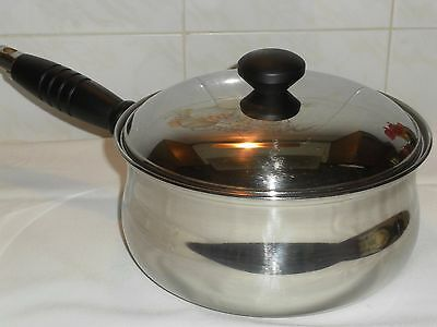 Viners Large Stainless Steel Copper bottom 20 cm Saucepan with Lid