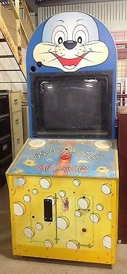 Mouse Attack old arcade game machine