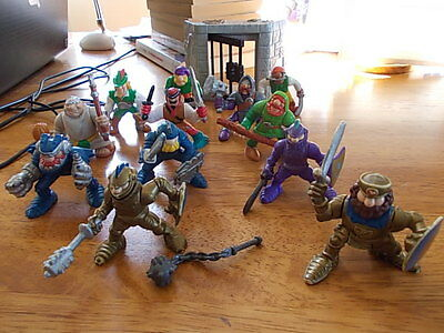 ASST VINTAGE FISHER PRICE KNIGHTS, PIRATES, JAIL ETC. VHTF see photos
