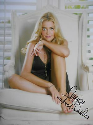 Denise Richards  8x10 auto photo in Excellent Condition