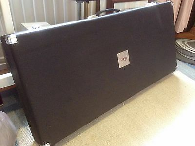 Large pedal board case, pedalboard