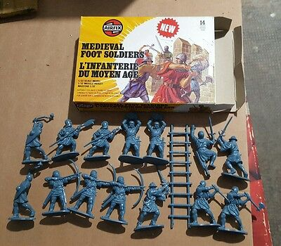 Airfix 1 32 Medieval Foot Soldiers perfect box. 1977-1978 Standard Box