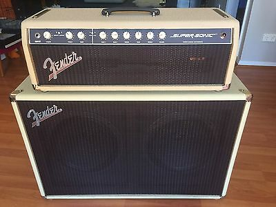 Fender SuperSonic 60 Watt Tube Amp with 2 X 12 Cabinet - Blonde with Foot-Switch