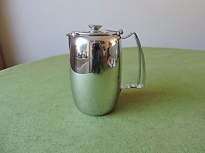 Old Hall Stainless Steel Connaught Water Jug 1 1/2 Pint (Bright).