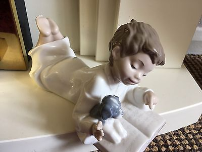 Lladro Nao Figurine- Repeat After Me