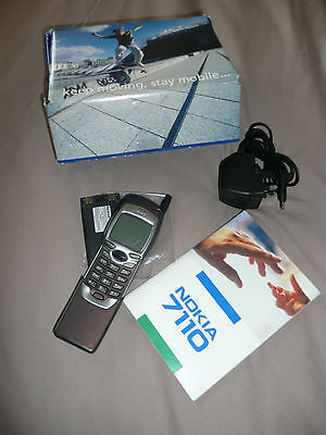 Vintage Nokia 7110 mobile phone (O2) , battery, charger, manual all in box **