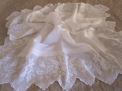 Beautiful Vintage White Linen Hand Worked Deep Floral Lace Edge Tablecloth