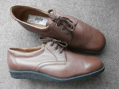 PEBE , SZ 8 ,   Lawn Bowls Shoes Tan Leather  Lace Up Flate Sole