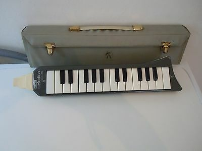 boxed hohner melodica piano 26-working desplay