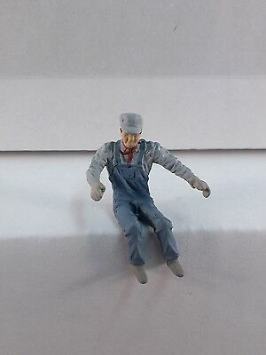 Arttista Engineer (sitting) #1175 - O Scale On30 On3 Figures People- Artista New