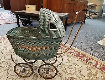 ADORABLE VINTAGE WICKER DOLL BABY CARRIAGE BUGGY STROLLER Nice Green Color
