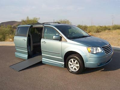 2010 Chrysler Town & Country Touring Wheelchair Handicap Mobility 2010 Chrysler Town & Country Touring VMI Wheelchair Handicap Wheelchair 1 Owner