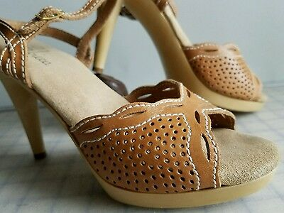 vtg 70's High Heel Shoes Sbicca size 10 Strappy  perforated cutouts plastic heel