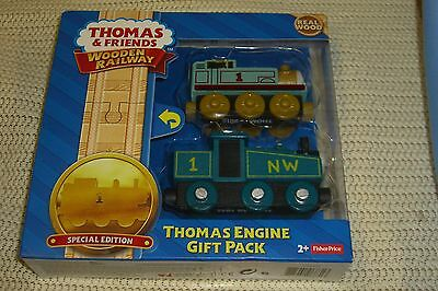 Thomas & Friends Wooden Railway Thomas Engine Gift Pack Cgm21 New
