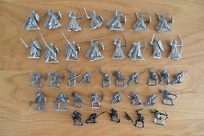 Collection of Hobbit/Lord of the rings (LOTR) plastic figures